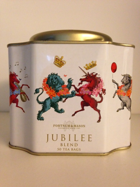 Trouxe  para casa o Jubilee Tea Blend, criado especialmente para homenagear os 60 anos do reinado de Elizabeth II