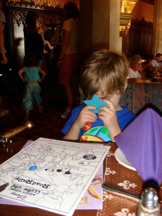 Adivinha que pedido ele fez à estrela? Pra voltar à Disney todos os anos!