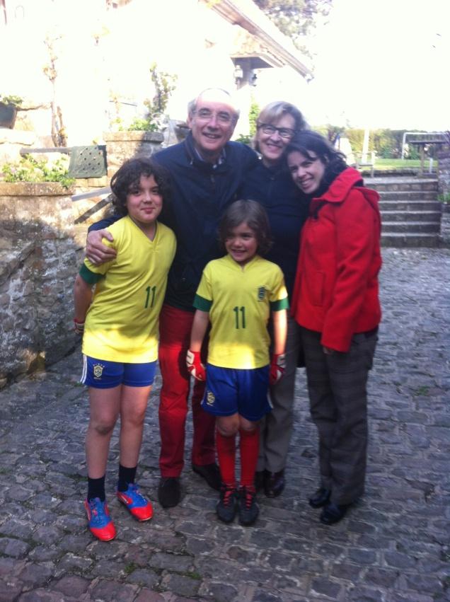 Philippe e Lori Campignion, com seus netos, nos esperam no ano que vem!
