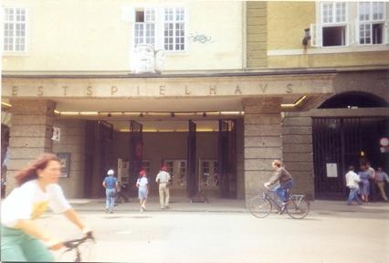 Gros Festspielhaus: principal teatro do Festival de Salzburg, onde vi Seiji Osawa reger a Filarmônica de Viena