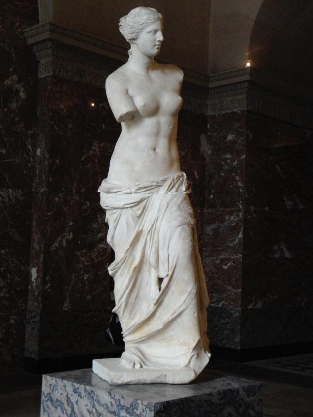 A Vênus de Milo, uma das mais importantes e belas obras do acervo do Louvre