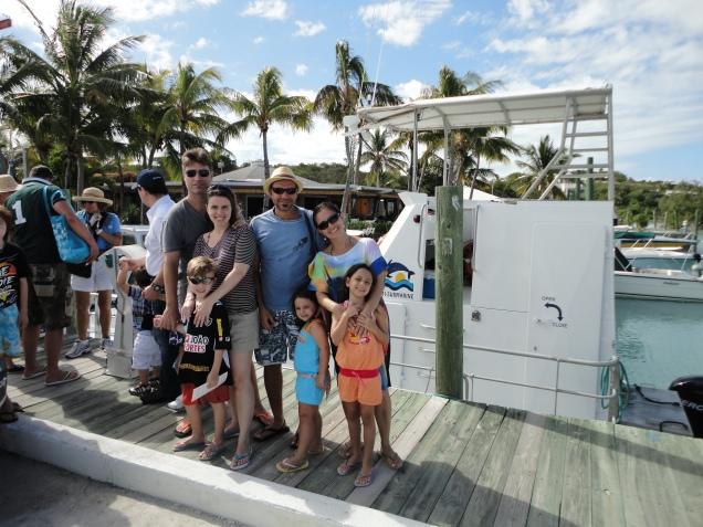 Nossa turma reunida para o passeio de semi-submarino