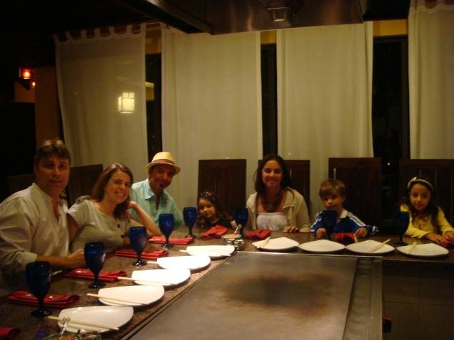 À mesa do Kimono's