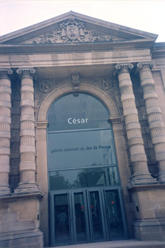 Galerie Nationale du Jeu de Paume. Não tenho nenhuma foto do Musée de l'Orangerie...