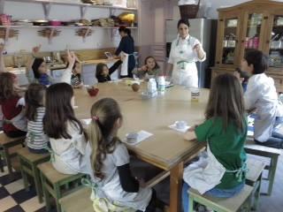 No Jardin d'Acclimatation, as crianças aprendem os segredos da patisserie