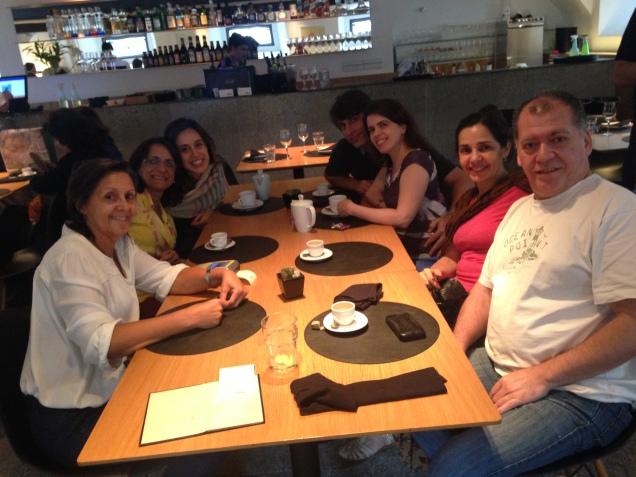 Equipe unida e feliz, curtindo o almoço no Mira