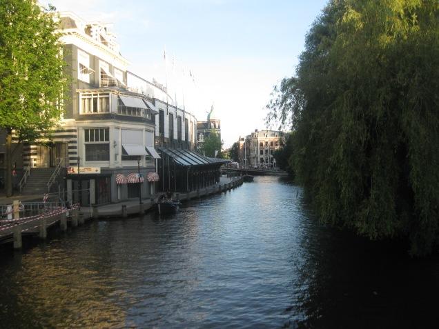 Lindos canais de Amsterdã