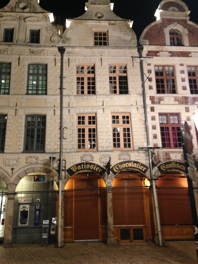 Arquitetura flamenga e delícias culinárias em Arras