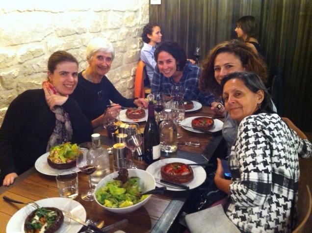 A parisiense Gisêle Harboux, além de compartilhar conosco seu conhecimento sobre cadeias musculares, nos fez descobrir algumas delícias gastronômicas da sua cidade!