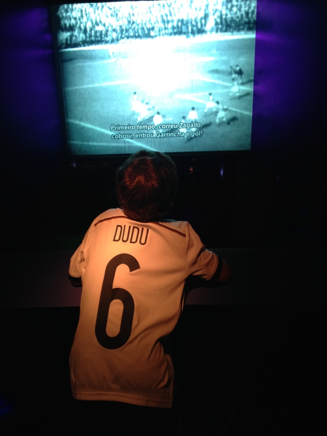 Futebol-arte nas pernas tortas de Garrincha
