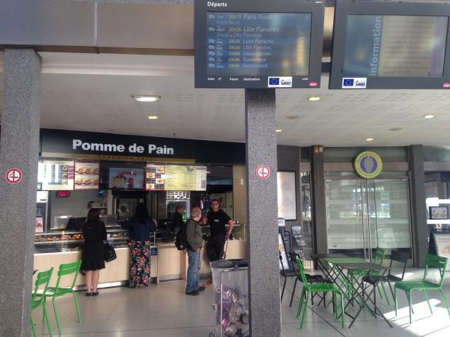 Saguão da Gare d'Arras: ponto de encontro dos fisioterapeutas brazucas!