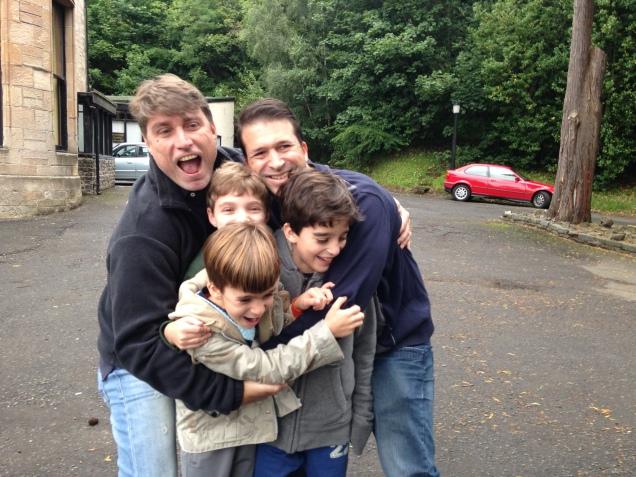 De manhã, nos despedimos da querida família Ribeiro. Eles partiram para Londres e nós seguimos para as Highlands.